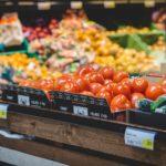 食費節約の切り札!激安スーパーを使い倒すコツ